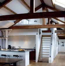 dachgeschoss k che küchen designs im landhausstil esstisch treppe dachgeschoss