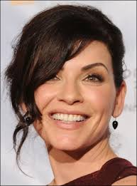 julianna margulies haircut margulies s updo hairstyle with side bangs at 2010 golden globe awards