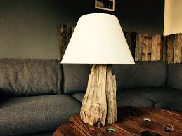 diy schwemmholz lampe tischlampe treibholz schwemmholz driftwood