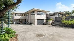 california bungalow 370 oceanbeach rd mt maunganui bayleys