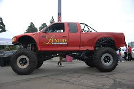 monster truck show accident nitto tire auto enthusiast day 2014 4x4s and drift cars wow crowd