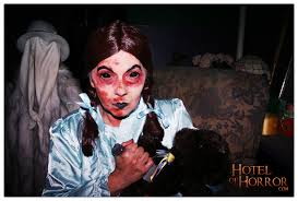 the caretaker halloween horror nights haunters hotel of horror blog