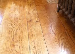 mixed width oak flooring to create authentic look