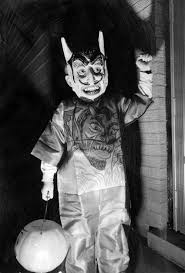 old fashioned halloween masks 21 vintage halloween photos that are so creepy they u0027ll give you