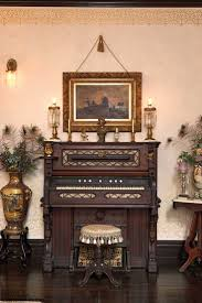 Victorian Design Home Decor by 65 Best Victorian Decor Images On Pinterest Home Antique Decor