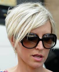 short hairstyles with glasses and bangs blonde hairstyles with side bangs for long faces with glasses 2017