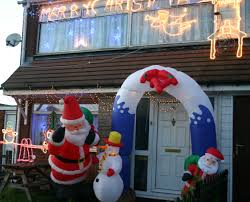 Christmas Decoration For Front Of House by Robust Outdoor Decorating Ideas As Wells As Easy Outdoor