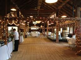 Rustic Wedding Venues Ny A Woodstock Wedding At The Historic Byrdcliffe Barn