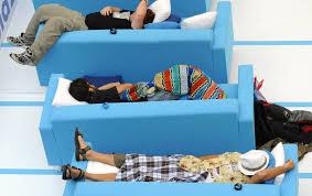 sieste au bureau la sieste au bureau améliorerait l efficacité des salariés