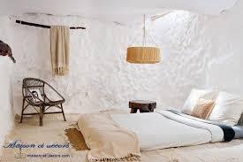 chambre toute une chambre toute blanche dans une vieille maison d ibiza