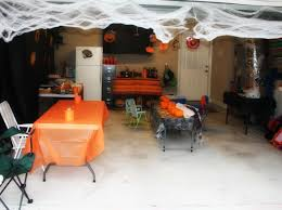 Decorating Your House For Halloween by How To Decorate Your Garage Door For Halloween