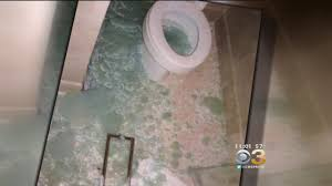 Cw Shower Doors by 3 On Your Side Shower Door Safety Glass Not So Safe Cbs Philly