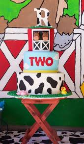 Barn Animal Party Supplies Best 25 Farm Birthday Cakes Ideas On Pinterest Farm Cake Farm