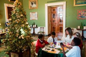 trump vowed to end the u0027war on christmas u0027 here u0027s how the white