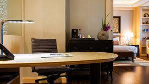 Desk Hotel Executive Suite Amari Watergate Bangkok