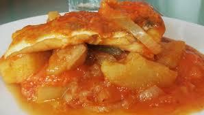 cuisiner la morue à la portugaise bacalhau à espanhola kali piplette et les sept chaudrons