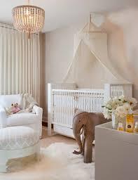déco chambre bébé gris et blanc idée déco chambre bébé sympa et originale à motif d éléphant