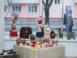 exhibition of the creative family tertichnyh family presents в