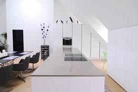 dachgeschoss k che weiße küche in dachgeschoss modern küche münchen