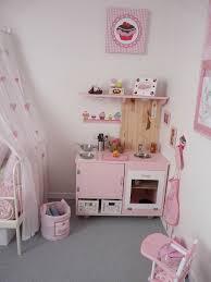 fabriquer une cuisine en bois pour enfant une cuisine en bois la ti d hina