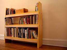 Pallet Bookcase How To Make Pallet Bookshelf Nifty Diys