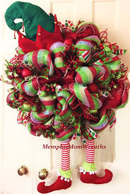 Decorating A Christmas Wreath With Mesh Ribbon by Best 25 Deco Mesh Ribbon Ideas On Pinterest Mesh Ribbon Ribbon