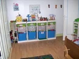 chambre jouet rangement pour jouet ainsi ils peuvent ranger tous seuls tras tot