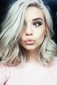 nice hairstyle for short medium hair with one hair band popular medium short haircuts medium short haircuts short