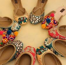 Wedding Shoes India 689 Best Footwear Images On Pinterest Indian Shoes Shoes And