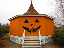 relaxshacks com happy tiny house halloween a pumpkin gazebo hut