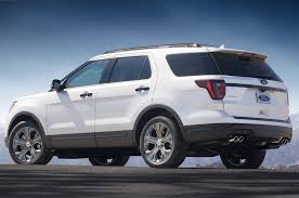 ford explorer package 2018 ford explorer adds safety package 4g hotspot photo image