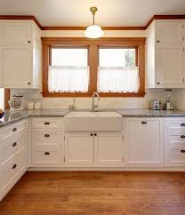 white kitchen cabinets wood trim 15 fascinating craftsman style crown molding inspirations