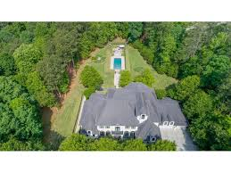 Landscaping Peachtree City Ga by Peachtree City Homes For Sales Atlanta Fine Homes Sotheby U0027s