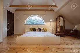 Schlafzimmer Helles Holz Cloudy Home Helles Schlafzimmer Innenraum Im Dachgeschoss