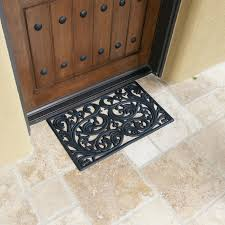 three reasons why you should a front door mat at your doorstep