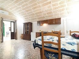 stone dome home gallipoli puglia rentbyowner com rentals and property image 4 stone dome home