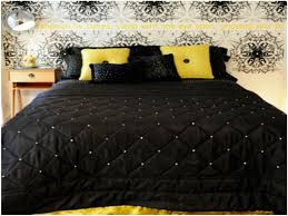 black white and yellow bedroom how to decorate with black white