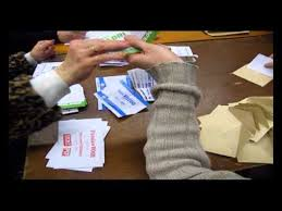 tenir un bureau de vote voila comment se déroule le dépouillement aux elections un bureau