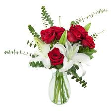Red Flowers In A Vase Kabloom Rigoletto Roses And Lilies Fresh Flower Arrangement With
