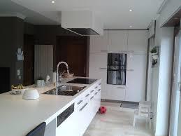 cuisine blanche avec ilot central cuisine blanche ilot central cuisine en image