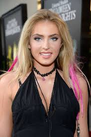 halloween horror nights giveaway saxon sharbino halloween horror nights opening night in universal