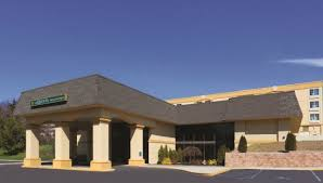 Comfort Inn And Suites Nanuet Ny The 10 Closest Hotels To Palisades Center West Nyack Tripadvisor