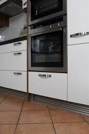 küche bodenleiste küchen sockelleiste in aluminium silber