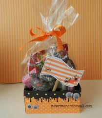 Gift Baskets For Halloween by It U0027s Written On The Wall 34 Halloween Treat Tags Plus