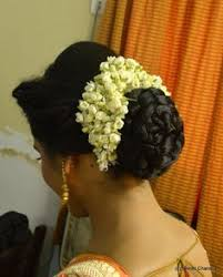flower hair bun what a beautiful large low bun with real flower gajra care
