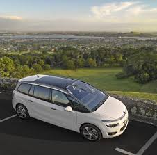gather a family with citroen grand c4 picasso oto picture