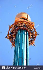 drop tower stock photos u0026 drop tower stock images alamy