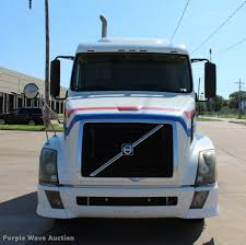 volvo tractor trucks for sale 2006 volvo vnl semi truck item l4450 truck and trailer a