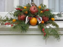 holiday wreaths in colonial williamsburg