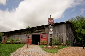 Pioneer Pole Barns Barn At High Point Farms Exterior Rustic Bride Barn Do It Yourself